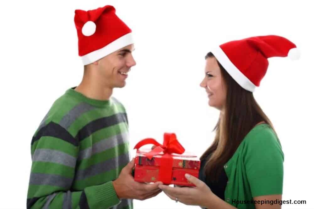 61 Hottest Romantic Christmas Gift Ideas For Her On Amazon